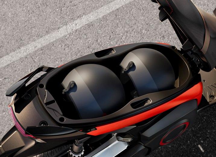 SEAT-Mo-eScooter-125-almacenaje