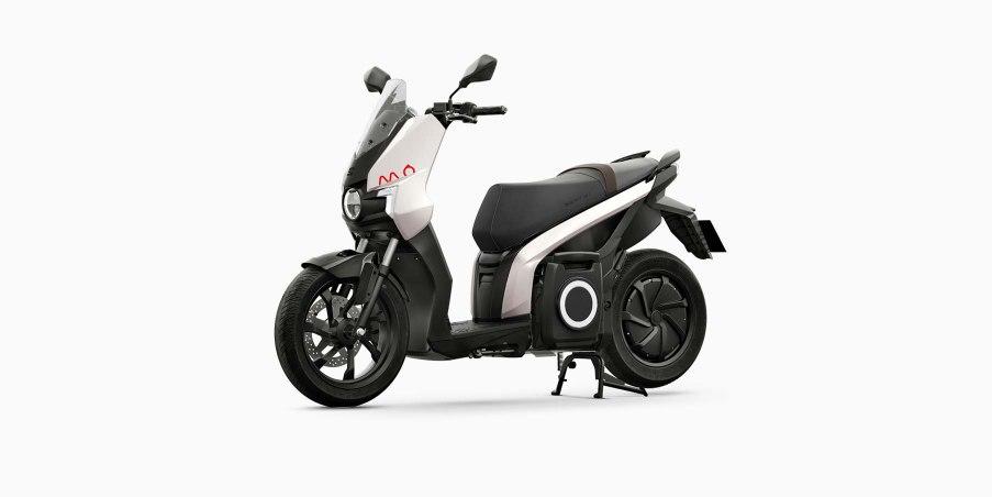 SEAT-Mo-eScooter-125-blanca